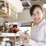 飲食店で働く正社員はいくらぐらい月給をもらっているの?